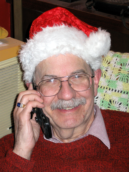 Santa Dad on the Phone (Click to enlarge)