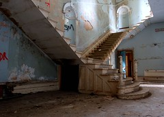 St Johns Asylum - The Famous Staircase (ricklus) Tags: county uk urban abandoned st hospital lens nikon zoom decay lincolnshire f bracebridge heath mm 1855mm nikkor 18 55 exploration lunatic asylum johns decayed decaying dx urbex pauper mids f3556 d40 zoomnikkor urbexing ricklus bbcheadroom midsurbexing soundsmental