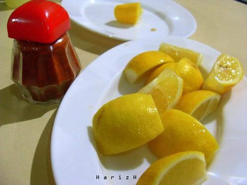 Asam rempah kehidupan. Mediterranean lemon.