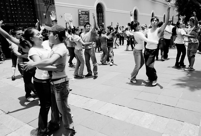 Puebla University students dancing