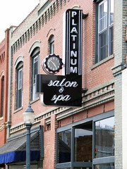 Platinum Salon & Spa neon sign