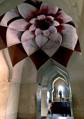 Lotus Ceiling Inside Marata Palace, Thanjavur, India (Eric Lafforgue) Tags: india democracy lotus indian palace ceiling indie indi indien hind indi inde plafond hodu southasia indland  hindistan indija   ndia hindustan maharadjah   lafforgue   ericlafforgue hindia  bhrat  702612 indhiya bhratavarsha bhratadesha bharatadeshamu bhrrowtbaurshow  hndkastan