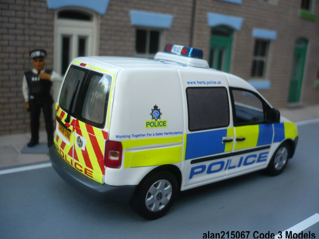 Code 3 Minichamps VW Caddy Hertfordshire Police Beat Van Rear