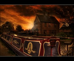 The Quiet Woman (Steel Steve) Tags: sunset les canal bravo prince du sensational fabulous amis staffordshire narrowboat petit trentandmerseycanal ogm alrewas themoulinrouge blueribbonwinner firstquality justimagine kartpostal mywinners worldbest anawesomeshot aplusphoto visiongroup infinestyle diamondclassphotographer flickrdiamond bratanesque theunforgettablepictures brillianteyejewel thegoldenmermaid proudshopper theroadtoheaven goldstaraward flickrestrellas ilovemypics multimegashot colourvisions qualitypixels magicdonkeysbest davincitouch vision100 goldenvisions jediphotographer lesamisdupetitprince
