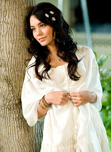 Vanessa Hudgens looks so cute in High School Musical 3
