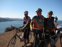 Lin. Bob & Keri along Marin Headlands IMG_1750.JPG Photo