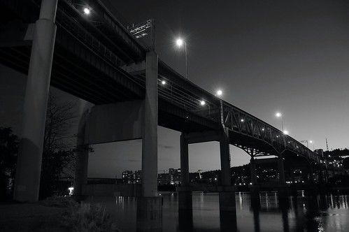 portland at night marquam bridge