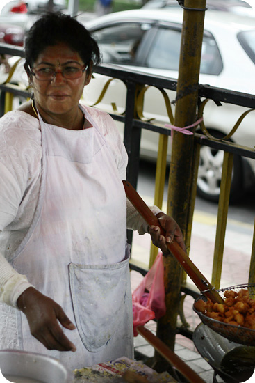 fritters vendor