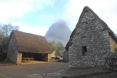 Huts near Wayna Picchu