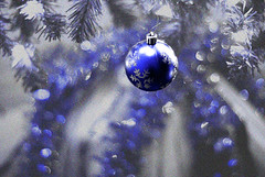 Christmas bokeh (DaDaAce) Tags: christmas blue holiday bokeh sony ornament pinay pinoy pasko asul dadaace