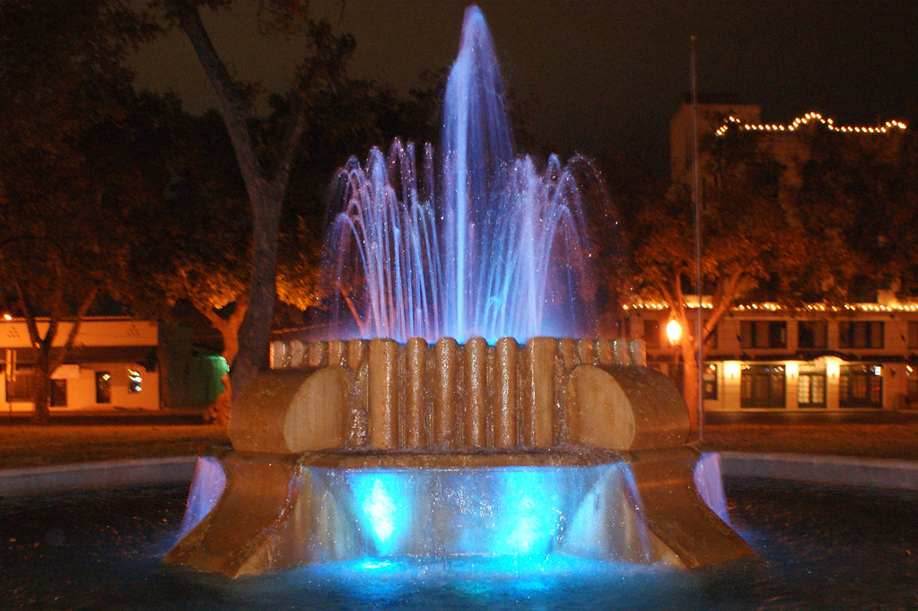 blue fountain2