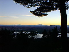 or99mmtn04 Portland, Oregon Sunrise 1999 (CanadaGood) Tags: morning blue usa mountain color colour oregon america sunrise portland dawn 1999 mounthood nineties canadagood