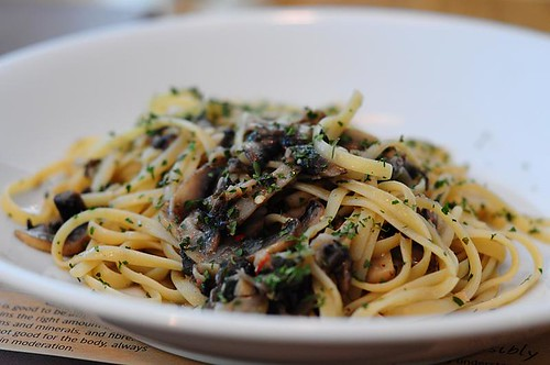 Spicy Roasted Mushroom Garlic Linguine