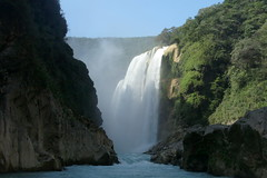 Cascada Tamul (Jos Lira) Tags: soe cascadas abigfave goldstaraward