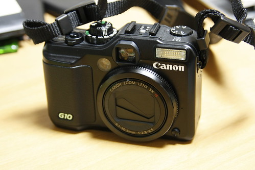 Canon PowerShot G10 with 無印良品ポーチ : Life is Prototyping