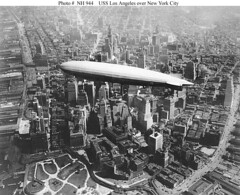 USS Los Angeles over NYC (lazzo51) Tags: nyc newyorkcity aviation science usnavy blimps airships zeppelins luftschiff dirigibles zr3 usslosangeles lz126