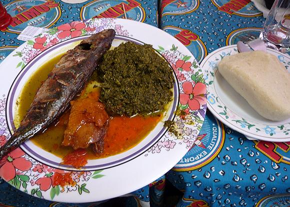Un plat Kinsois servi dans un restaurant