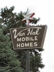 Van Hal (altfelix11) Tags: star northdakota neonsign trailerpark mobilehome vintagesign vintageneonsign valleycity vanhal