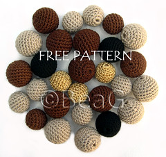 Pattern for Crocheted Beads (Patroon voor Gehaakte Kralen) (Made by BeaG) Tags: wood original brown black creativity gold design beads beige artist pattern belgium designer unique oneofakind ooak kunst tan belgi jewelry jewellery yarn creation cotton round crocheted tutorial unica unicum kralen patroon beag gehaakt freepattern crochetbeads kunstenares uniquedesign ontwerpster originaldesigner creativedesigner crochetedbeads crochetbead gehaaktekralen designedandmadebybeag uniekontwerp ontworpenengemaaktdoorbeag handgemaaktekralen zelfgehaaktekralen kralenhaken beadcrocheting howtocrochetbeads crochetbeadstutorial crochetbeadspattern crochetwoodbeads crochetwoodenbeads