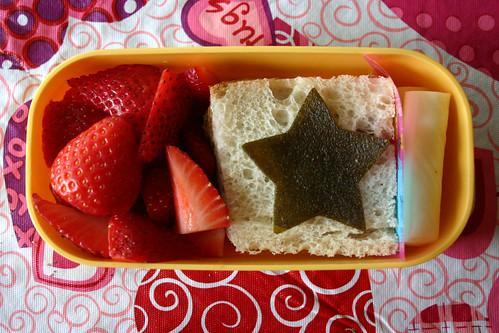Preschooler Bento: February 17, 2009