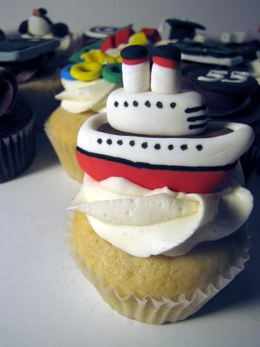 Cruise Ship Cupcake