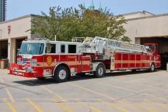 Indianapolis Fire Department. Ladder 7. (RJACBclan) Tags: firetruck pierce fireengine tiller indianapolisindiana ifd fireapparatus ladder7 indianapolisfiredepartment piercearrowxt ifdladder7 indianapolisladder7 ifdtiller indianapolistiller