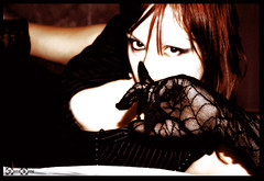 Silence, Please. (* Mrs. Argento *) Tags: fetish contrast dark model gothic goth sensual emotional miss mistress autoscatto argento autoshot anni40 anni30 os auranera