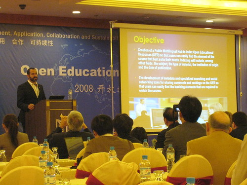 Jose speaking about Knowledge Hub at the Open Ed conference in Dalian, China