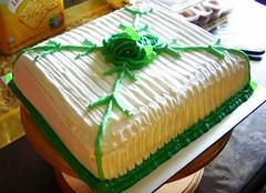 Hantaran Cake - 003 ~totcupcakes~ (wetotla) Tags: wedding cake muffins cupcakes photo sweet royal malaysia icing kuala colourful lower kota lumpur kek prices hantaran danau cuppies sedap setapak ~totcupcakes~ butterceram 1malaysia totcupcakes