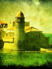 collioure tower (dkeyjon) Tags: collioure omot onlythebestare proudshopper nearspanishborder colorfullittlecoastvillage ppworkdeluxe oldholidaymemories