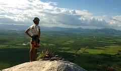 Viver sem fronteiras (Neudson Aquino) Tags: brazil brasil top horizon climbing cear vista escalada horizonte aracoiaba nordeste aguda nolimits cume cameradeourobrasil diamondclassphotographer semfronteiras