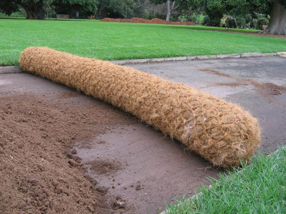 botanical gardens_coir barrier