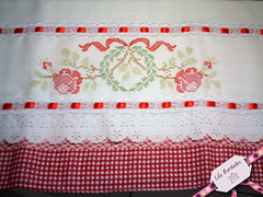 Bordado em Ponto Cruz (Lila Bordados em Ponto Cruz) Tags: vermelho decorao cozinha presente bordado pontocruz panodeprato