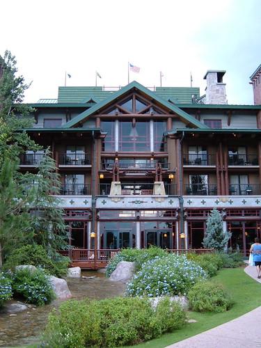 Wilderness Lodge Courtyard