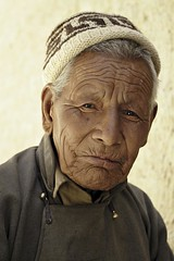 Ladakh_084_11-06-08 (Kelly Cheng) Tags: old travel people india man colour tourism smile vertical daylight asia culture tibetan colourful copyspace himalayas ladakh shey kashmirjammu