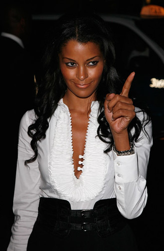 new episode of the claudia jordan show .... mama man edition