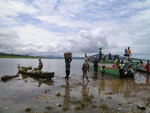 port sur le lac Volta