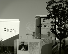 Gucci & LV (Doue ) Tags: park turkey shopping istanbul best gucci boutique lv louisvuitton boutiques istinye