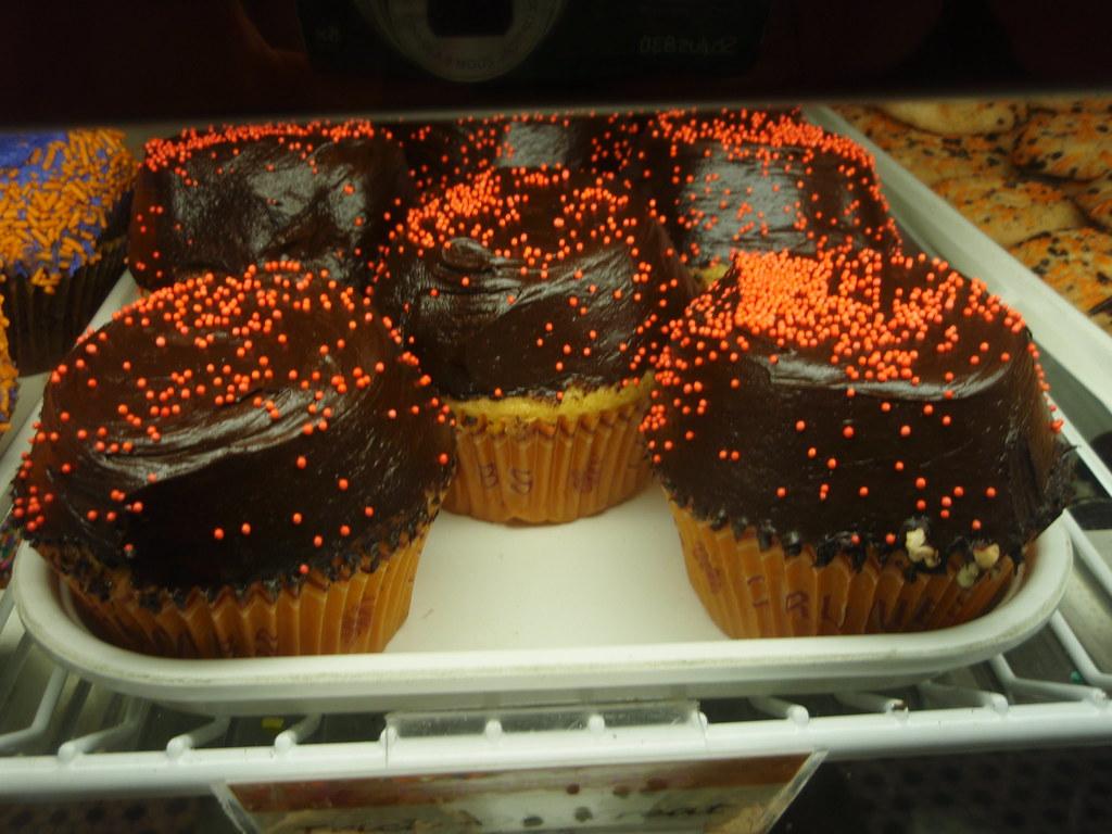 Crumbs Wall Street Halloween cupcakes