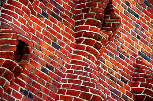 Red Brick Wall. Photo by Cibergabi via Flickr.com