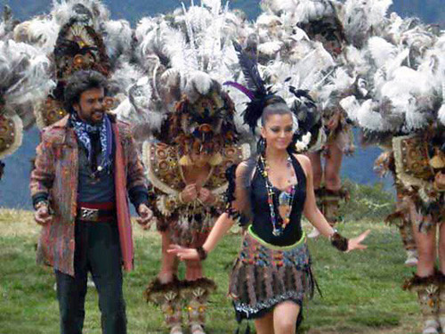 Rajinikanth and Aishwarya Rai in Endhiran