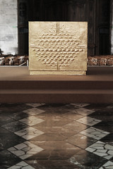 Autel (deloscampos) Tags: france church gold europe colours cross chairs champagne tiles reims ambience altard