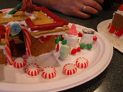 (dreamsmall) Tags: christina ashley tommy laurie gingerbreadhouses ashle december2007