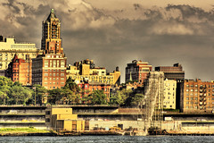 Brooklyn Heights (Tony Shi Photos) Tags: nyc newyorkcity waterfall brooklynheights bqe hdr watchtower brooklynqueensexpressway downtownmanhattan 纽约 紐約 sonyalpha700 ньюйорк 布鲁克林 ニューヨークシティ 뉴욕시 thànhphốnewyork न्यूयॉर्कशहर tonyshi 布鲁伦 مدينةنيويورك นิวยอร์กซิตี้