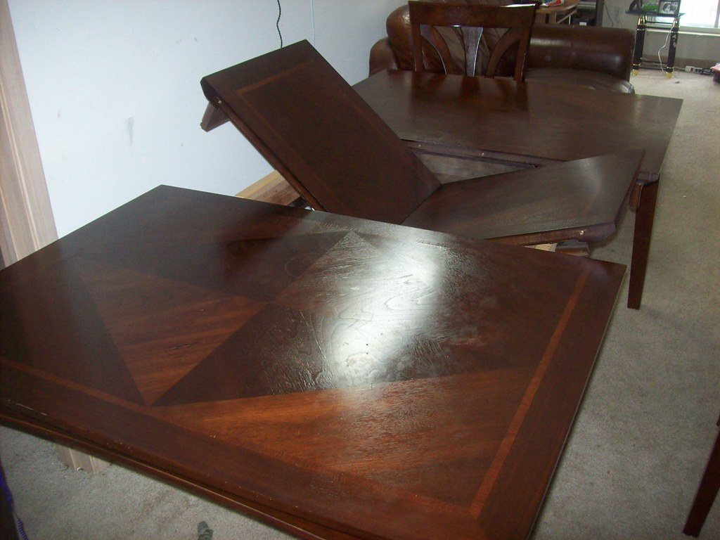 Beautiful HOM Furniture cherry dining table set with 4 chairs - $400 OBO