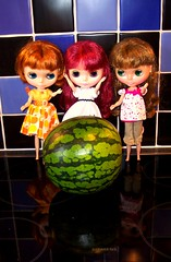 Dagmar Gina: There is NO WAY that tiny thing is a watermelon!!!!
