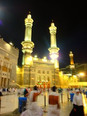 Midnight Haram Scene - Makkah (Mystapaki) Tags: al minaret muslim islam prayer pillar arabia jeddah abaya haram riyadh mecca arafat salah makkah ksa najd hejaz namaz saudia dammam shareef hofuf ihram tawaaf thobe azaan muzdaliffah