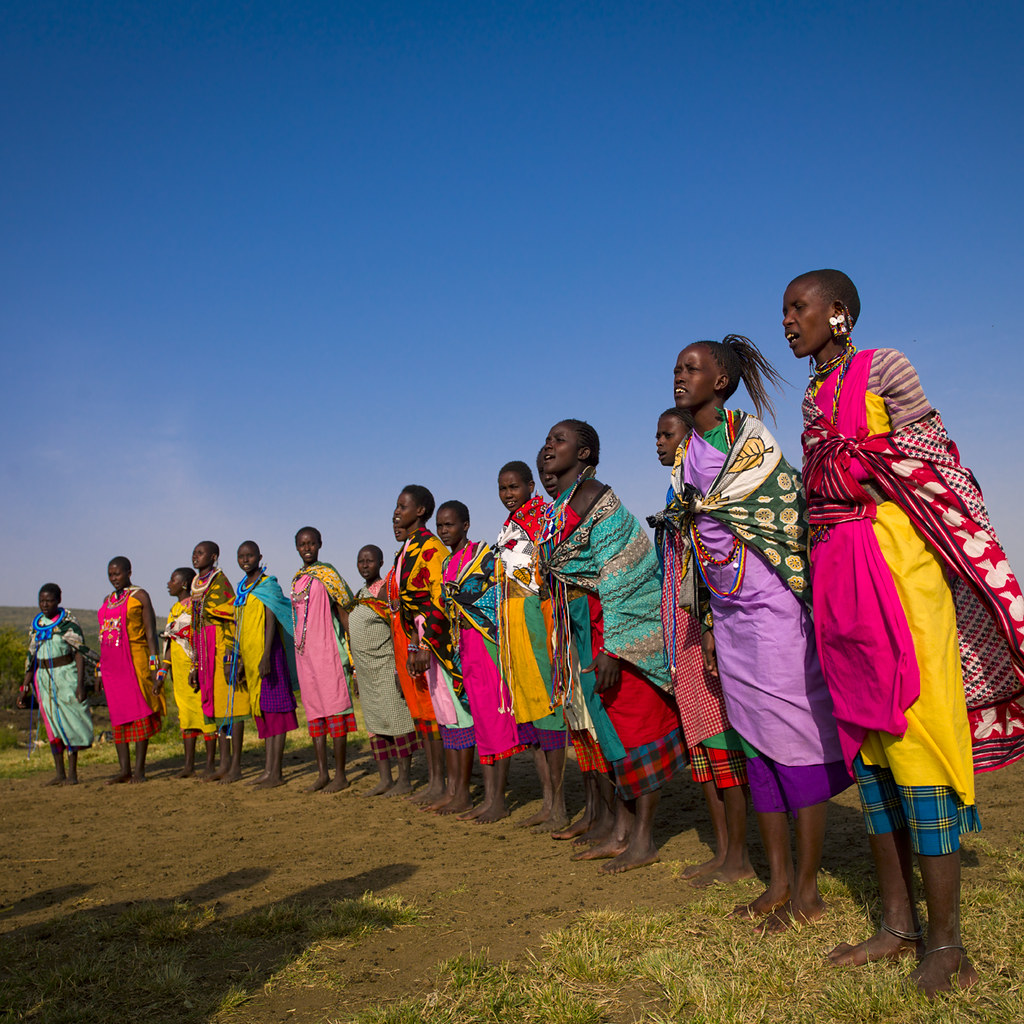 Maasai women in line - Kenya