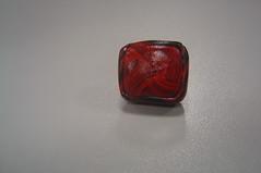 Anillo Cuadrado Rojo/Negro (kapritxosa) Tags: anillos