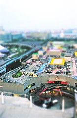 Miniature Pallet Town (~Sardis) Tags: japan japanese tokyo odaiba 12 giantferriswheel tiltshift fakemodel tiltshift12 pallettown